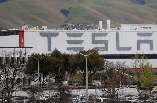 https://us.avalanches.com/california__contractors_cut_from_california_nevada_factories_of_tesla_tesla_in49265_04_04_2020