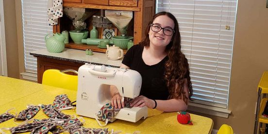 https://us.avalanches.com/charlotte__teenager_in_charlotte_helping_local_hospitals_by_sewing_masks_marine_39462_28_03_2020