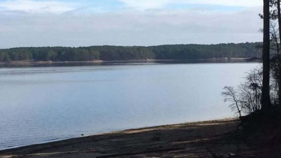 https://us.avalanches.com/raleigh_19_year_old_dies_due_to_drowning_in_jordan_lake213067_08_05_2020