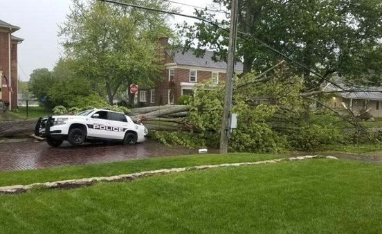 https://us.avalanches.com/columbus_groveport_police_cruiser_gets_hit_by_tree_during_stormsnbsp241460_11_05_2020