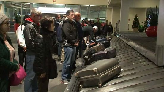 https://us.avalanches.com/philadelphia_as_travelers_return_from_christmas_holiday_philadelphia_airport_gets_20285_28_12_2019