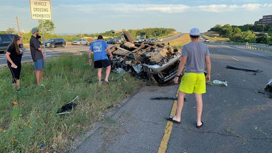 https://us.avalanches.com/austin_patient_pinned_inside_a_vehicle_in_a_rollover_accident256003_13_05_2020