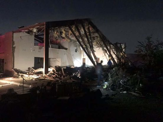 https://us.avalanches.com/dallas_tornado_breaks_into_dallas_plunge_tens_of_thousands_into_darkness6864_21_10_2019