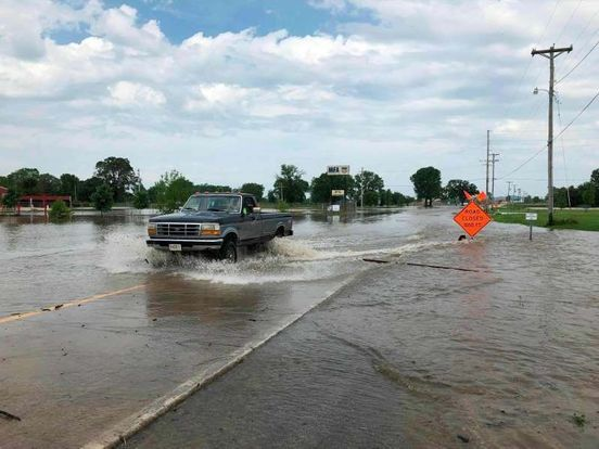 https://us.avalanches.com/houston_bodies_in_submerged_missouri_vehicle_bring_storm_toll_to_9545_25_05_2019