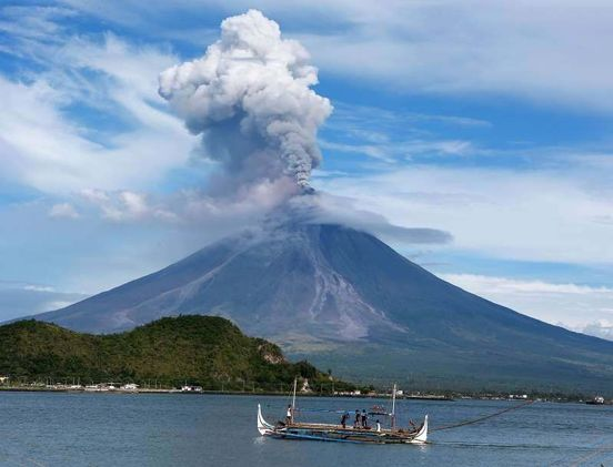 https://us.avalanches.com/houston_volcano_erupts_on_indonesias_bali_causing_flight_cancellations541_25_05_2019