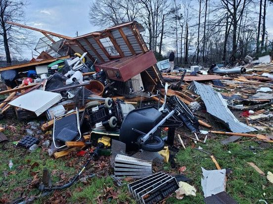 https://us.avalanches.com/houston_2_individuals_died_in_a_storm_at_texas23385_13_01_2020