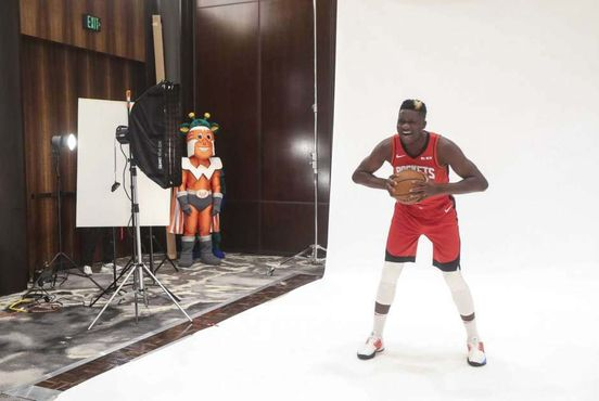 https://us.avalanches.com/houston_clint_capela_is_planning_to_dominate_3035_29_09_2019