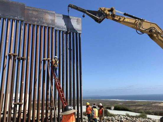 https://us.avalanches.com/houston__border_wall_construction_putting_lives_of_mexican_at_risks_several_c56209_05_04_2020