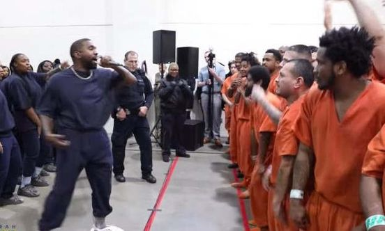 https://us.avalanches.com/houston_kanye_west_does_surprise_performances_in_houston_jails12383_17_11_2019