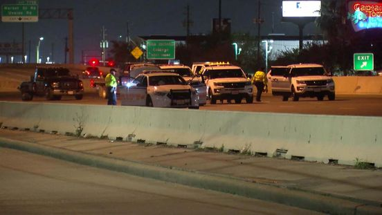 https://us.avalanches.com/houston_a_pedestrian_was_hit_and_killed_on_east_freeway_near_beltway_832106_24_02_2020