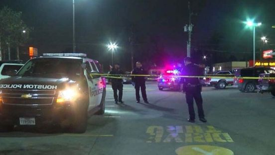 https://us.avalanches.com/houston_man_was_killed_outside_mcdonalds_the_victim_must_have_known_the_shoo29551_11_02_2020