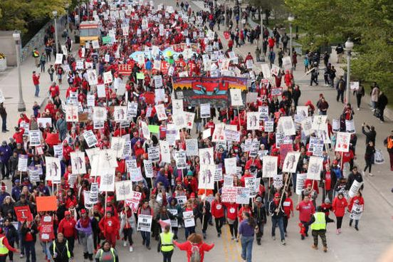 https://us.avalanches.com/chicago_striking_chicago_teachers_press_for_final_demand_after_accepting_tentative_deal8849_31_10_2019