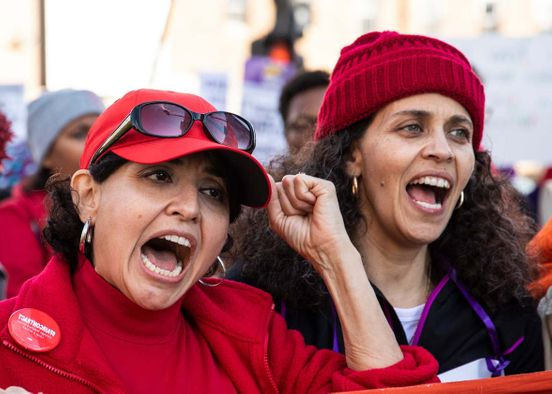 https://us.avalanches.com/chicago_chicagos_teacher_strike_does_not_look_to_end_soon_enters_the_second_week7170_22_10_2019