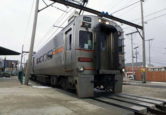 https://us.avalanches.com/chicago_south_shore_train_derails_near_millennium_station_four_people_injured31860_23_02_2020