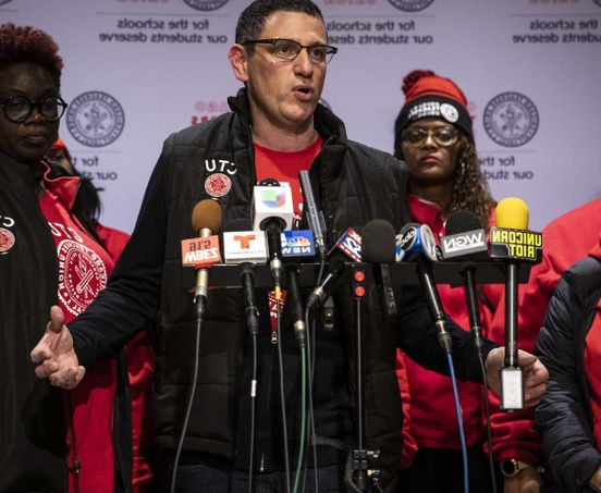 https://us.avalanches.com/chicago_teachers_strike_finally_over_in_chicago_students_to_return_to_school_after_11_days9453_02_11_2019