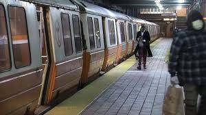 https://us.avalanches.com/boston__boston_subway_service_stopped_after_report_of_a_citizen_licking_it_af40709_01_04_2020