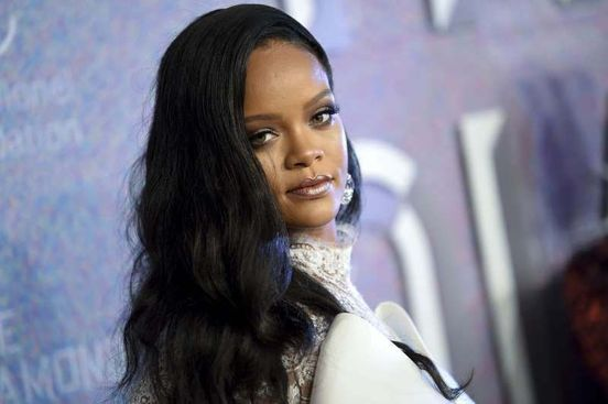 https://us.avalanches.com/new_york_city_rihanna_to_launch_groundbreaking_new_fashion_label_with_lvmh314_11_05_2019