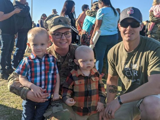 https://us.avalanches.com/phoenix_150_national_guard_service_members_welcomed_home_23484_13_01_2020