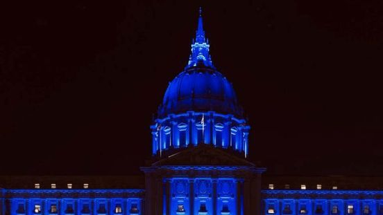 https://us.avalanches.com/san_francisco__in_honor_of_healthcare_providers_san_francisco_city_hall_lighten_up_w42170_03_04_2020