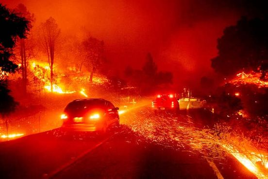 https://us.avalanches.com/san_francisco_kincade_fire_homes_flaming_up_to_2000_flee_blaze_in_sonoma_county9065_01_11_2019