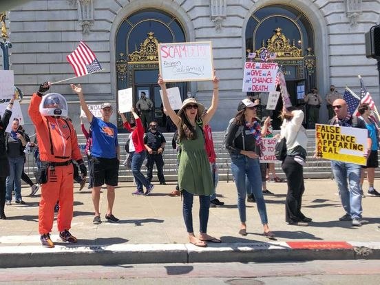 https://us.avalanches.com/san_francisco_people_rally_in_front_of_san_francisco_city_hall198543_02_05_2020