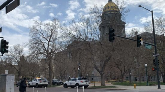 https://us.avalanches.com/denver_a_police_arrest_a_woman_with_first_degree_murder_near_capitol_building205049_04_05_2020