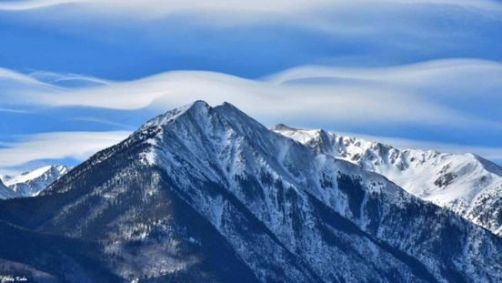 https://us.avalanches.com/denver_colorado_starts_with_abundant_mountain_snow_moisture_in_202021559_04_01_2020